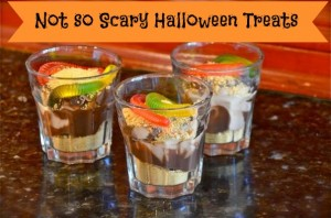 Halloween dirt cups with gummy worms